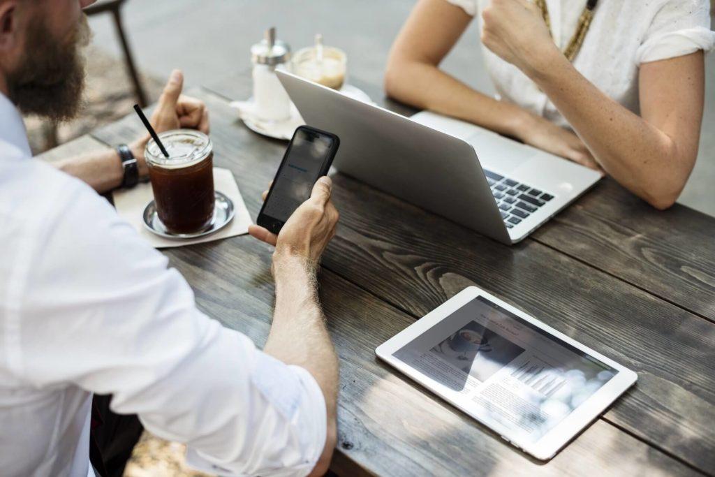 Cómo realizar networking por el asesor inmobiliario